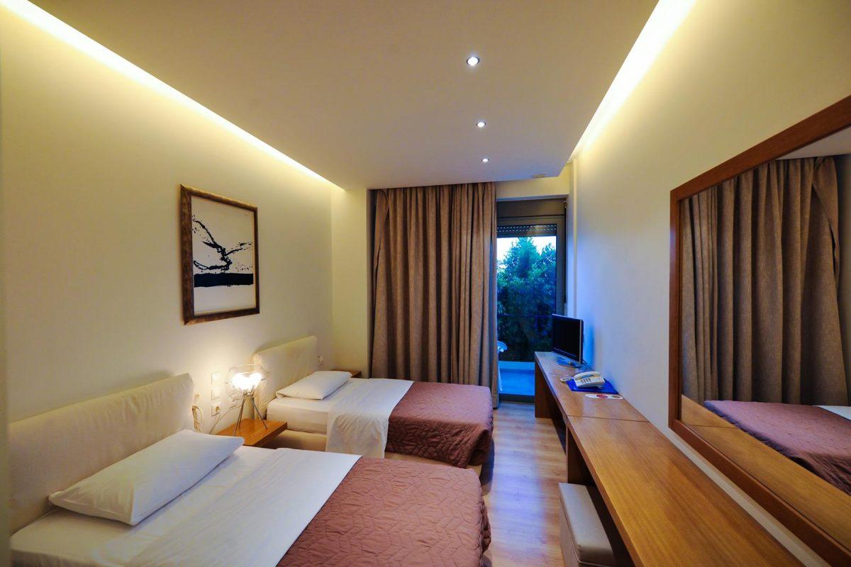 accommodation messinia greece | Kleopatra Inn Hotel